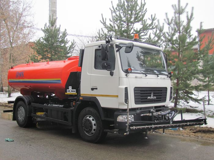 Поливомоечная машина КО-806-22